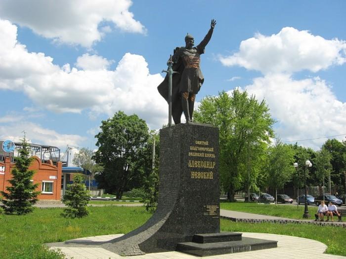 Памятник Святому Благоверному Александру Невскому