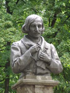 Памятник Гоголю (1)