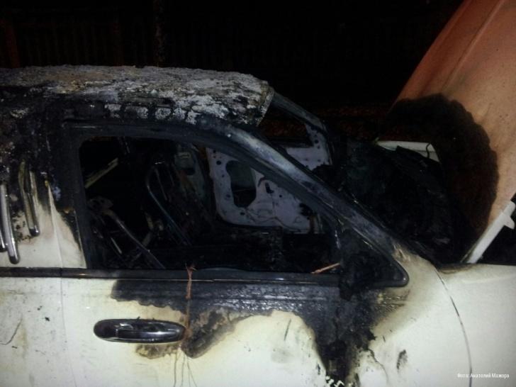 В Харькове подожгли лимузин