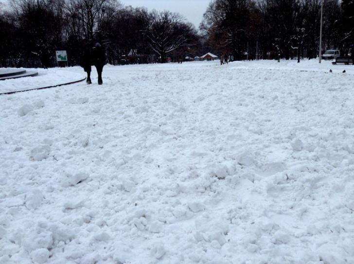 Памятник Шевченко Харьков в снегу