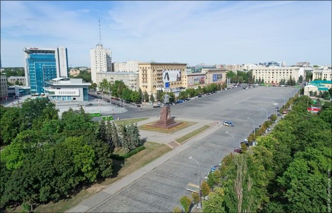 Площадь Свободы в Харькове онлайн
