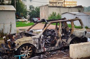 сгоревший джип