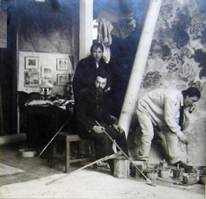 Ермилов, Штейнберг, Борисов в мастерской Штейнберга. 1911 год