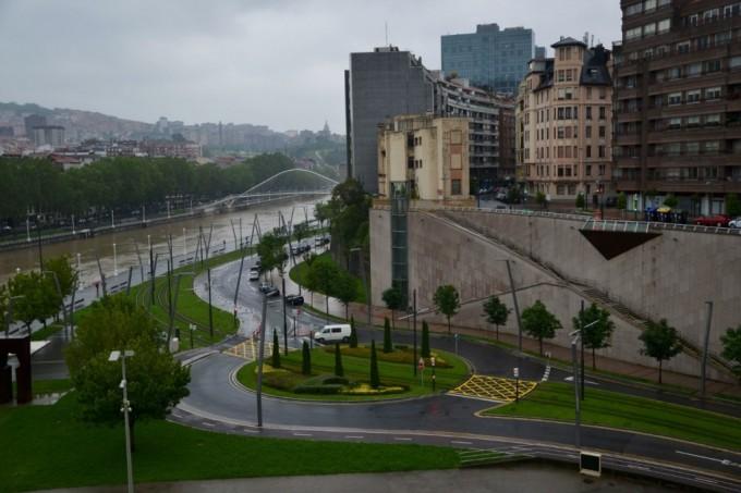 Трамвайные пути Бильбао (Испания).