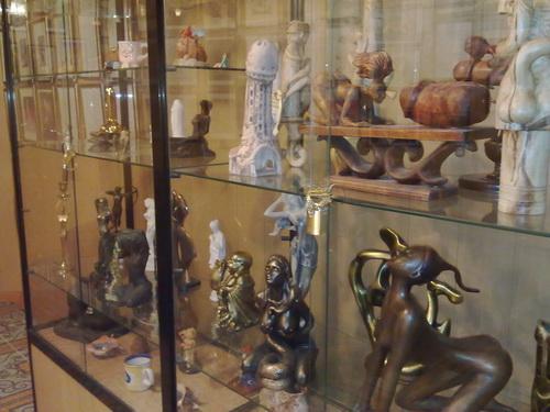Музей сексуальных скульптур в харькове
