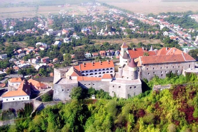 Мукачево замок Паланок Закарпатье