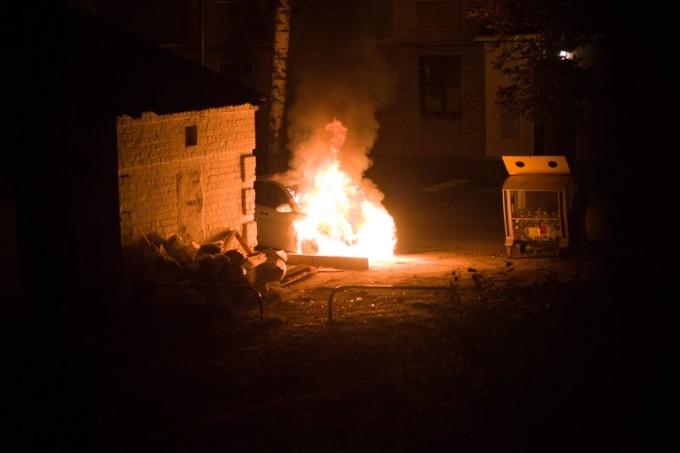 Возгорание автомобиля во Фрунзенском районе Фото: Макс Кузин.