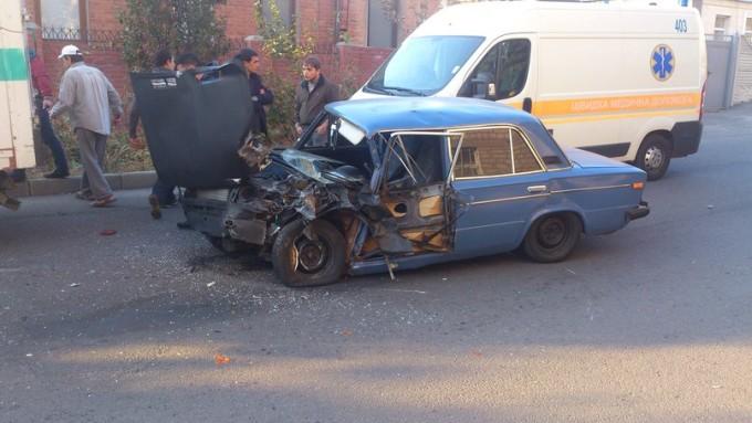 Последствия ДТП для заниженного ВАЗа.