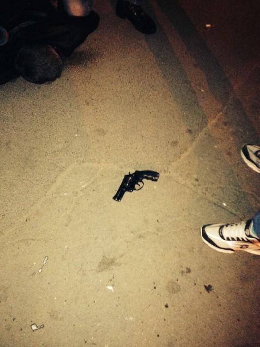 Пистолет, которым буян угрожал людям. Фото: Глеб Харьков.
