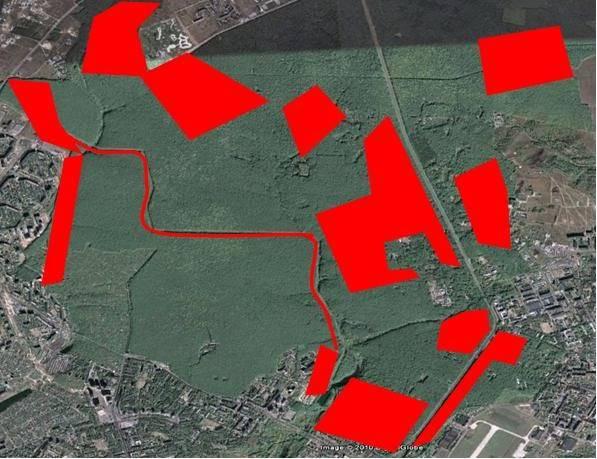 Карта Лесопарка, на которой красным обозначены территории, незаконно отданные под вырубку и застройку. Фото: f5.ifotki.info