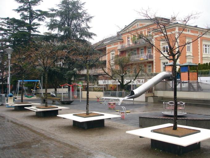 Городок Мерано в Италии. Пример контейнерного озеленения. Фото: doctor-les.livejournal.com