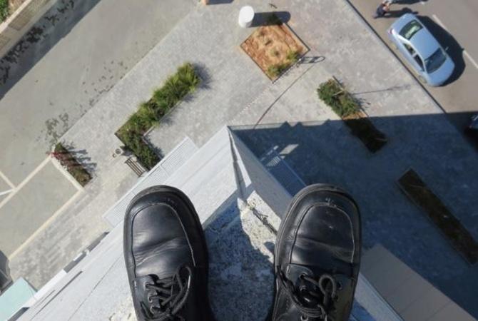 прыжок из окна