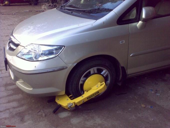Устройство для блокировки колес транспортного средства. Фото: www.team-bhp.com
