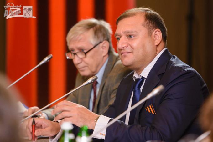 Михаил Добкин на круглом столе Всеукраинского общественного союза «Украинский фронт». Фото: «Городской дозор».
