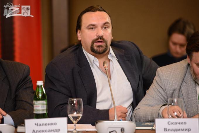 на круглом столе Всеукраинского общественного союза «Украинский фронт». Фото: «Городской дозор».