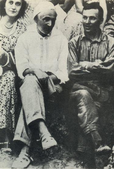 Режиссер Лесь Курбас рядом с писателем и другом Николаем Кулишом. Фото: encyclopediaofukraine.com