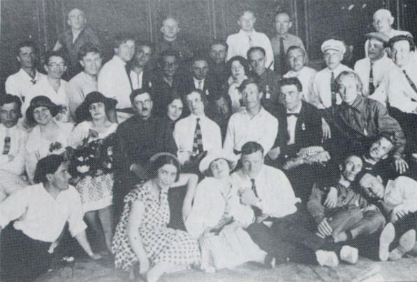 Актеры театру «Березіль» накануне переезда в Харьков, май 1926 года. Фото: encyclopediaofukraine.com