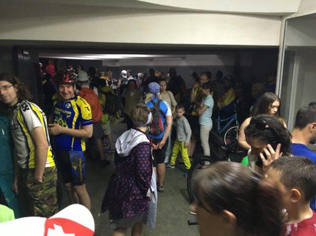 велосипедисты Харьков в метро из-за ливня