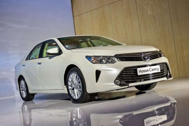 foto-camry-2015_01-650x433