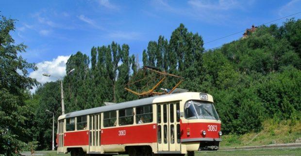 ВХарькове половина трамвайных маршрутов неработает из-за отключения электрической энергии