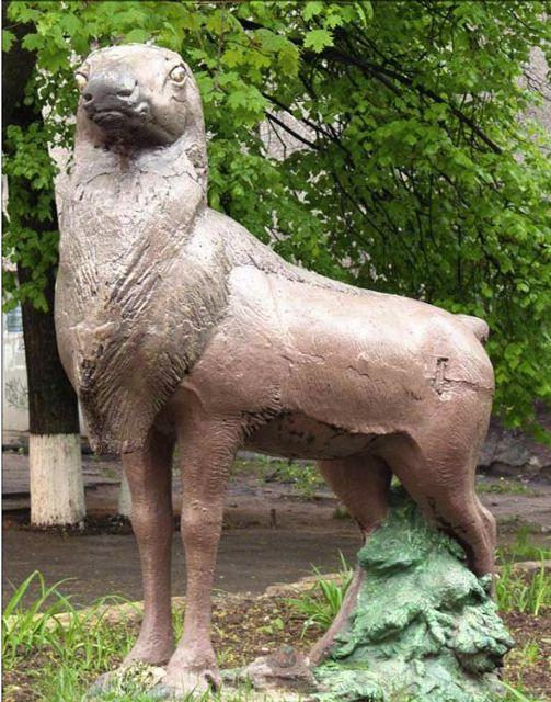 Скульптура Олень