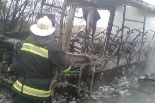 НаХарьковщине пассажиры выпрыгивали изгорящего автобуса