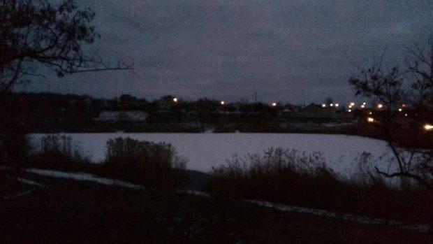 пруд провалились под лед