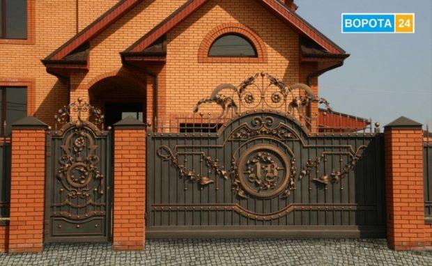 Особенности откатных кованых ворот в Харькове