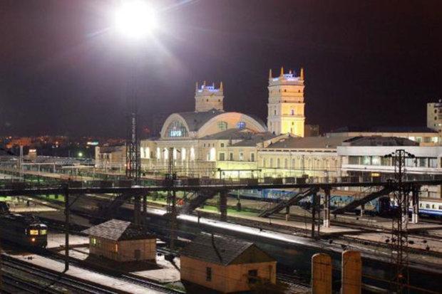 южный вокзал вечер