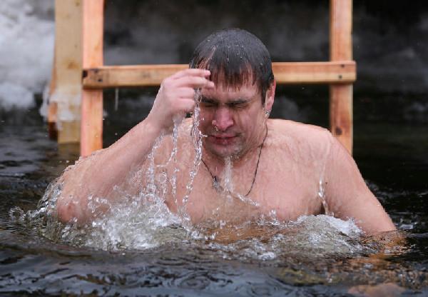 Для тех, кто решился: где в Харькове окунуться в прорубь на Крещение фото 1