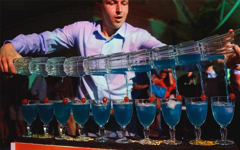 Достоинства коктейль-бара