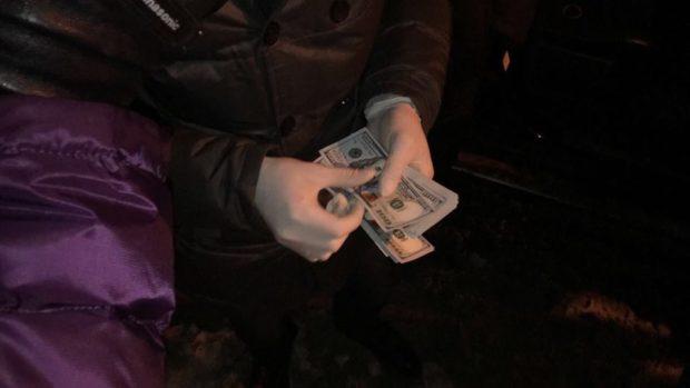 ВХарькове борец скоррупцией попался навзятке