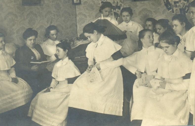 Женская школа для дочерей дворян и купцов