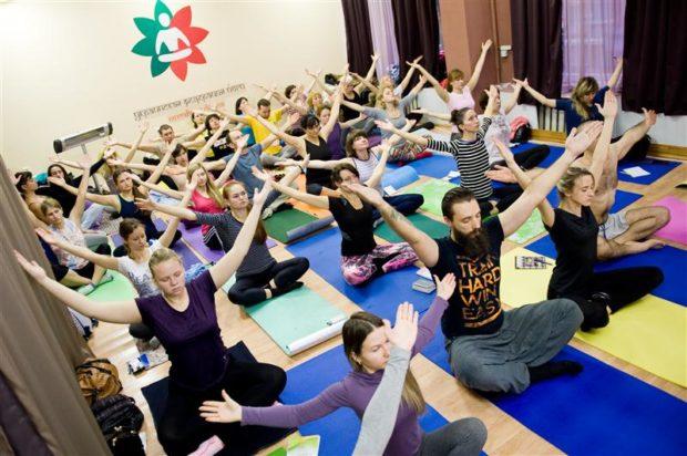 Занятие в Украинской Федерации йоги