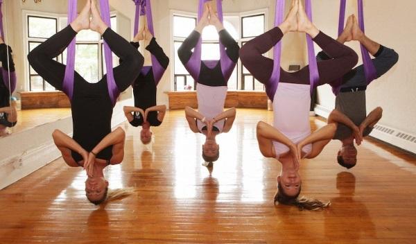 Занятие по флай йоге