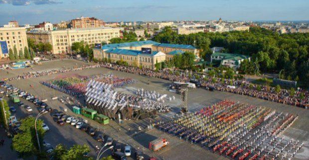 Из-за детей: в центре Харькова на неделю ограничат движение транспорта фото
