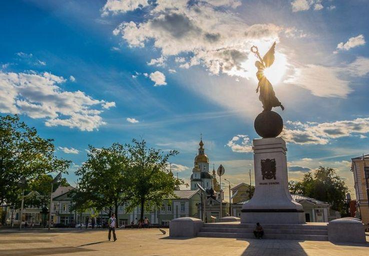 Монумент Летящая Украина