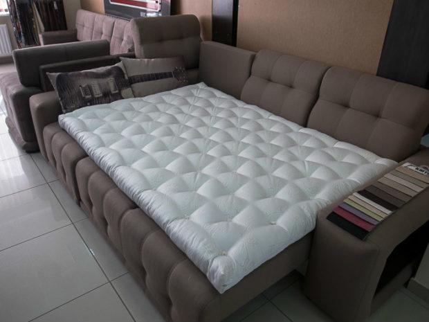 топперов для диванов