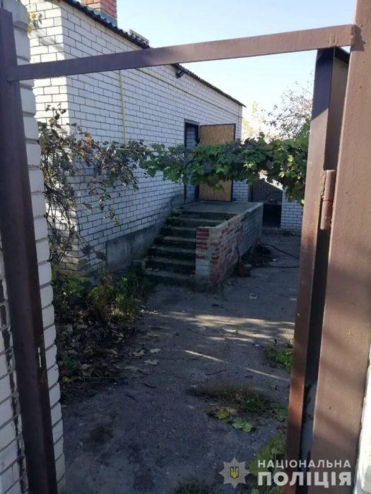 На Харьковщине женщина после застолья обнаружила труп