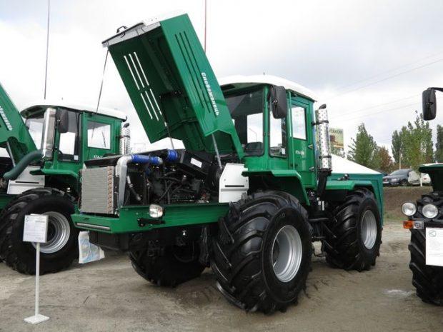 отечественный трактор Слобожанец ХТА-250-30