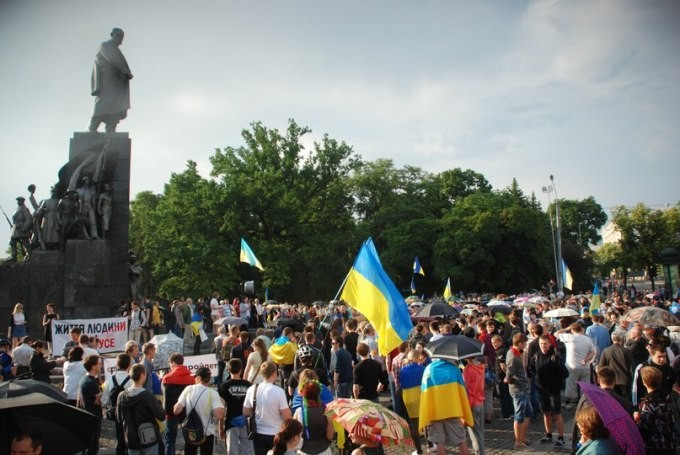 Митинг возле памятника Шевченко