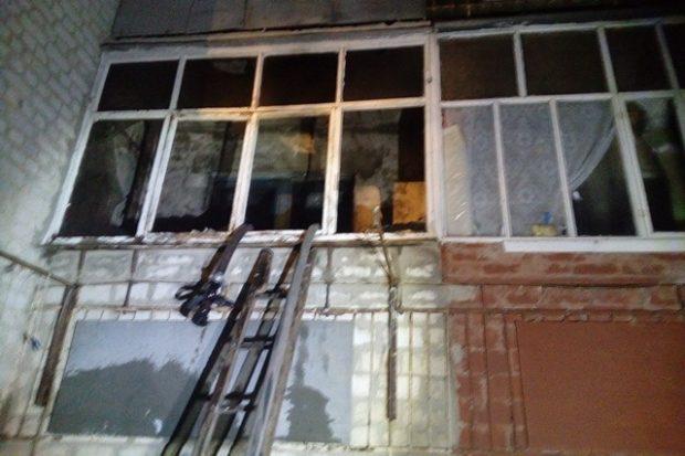 Пожар в многоэтажном жилом доме в Балаклее: эвакуировали 29 человек и спасли троих старушек