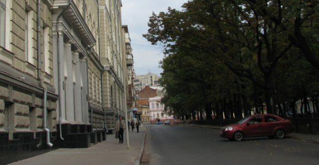 В центре Харькова до конца месяца ограничили движение