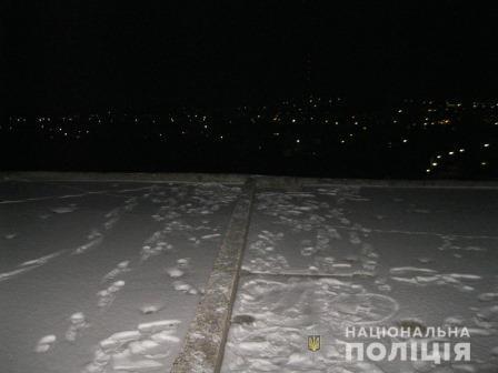 Под Харьковом подросток прыгнул с недостроенной восьмиэтажки