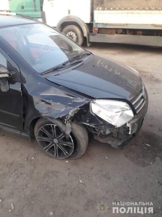 Под Харьковом парень угнал машину и попал в аварию
