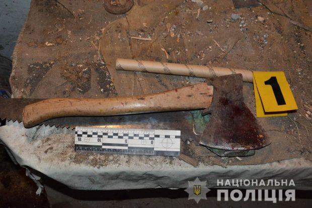 Под Харьковом парень зарубил топором бездомного, который проник в его гараж