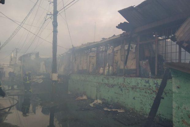 В Безлюдовке сгорел продуктовый магазин