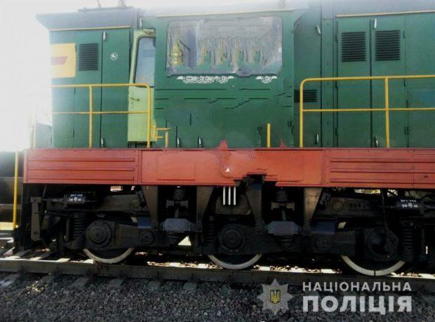 Под Харьковом школьница попала под поезд: подростку отрезало ногу