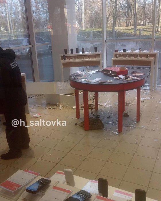 В Харькове ограбили салон мобильной связи
