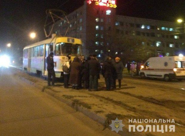 Харьковчане перекрыли улицу и заблокировали движение транспорта из-за отсутствия отопления
